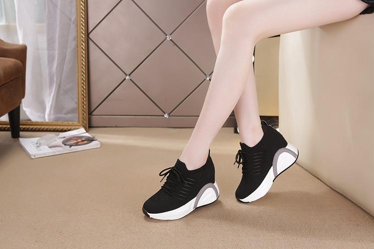 Giày 8.5CM thoáng khí thể thao nữ bằng VẢI không cột dây 11
