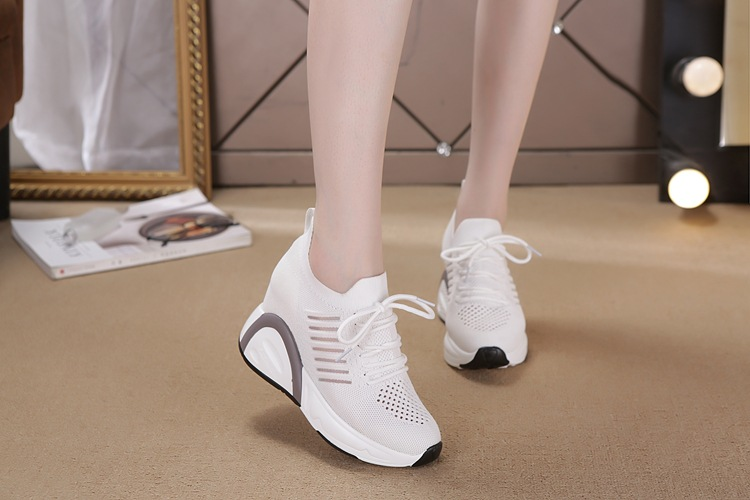 Giày 8.5CM thoáng khí thể thao nữ bằng VẢI không cột dây 2