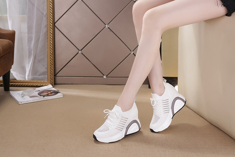 Giày 8.5CM thoáng khí thể thao nữ bằng VẢI không cột dây 14