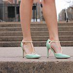 Chân to nên đi giày gì - 4 Mẹo chọn giày cho nàng có bắp và bàn chân to