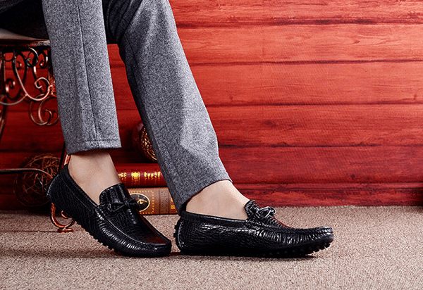 Bạn nên mua giày đúng thời điểm