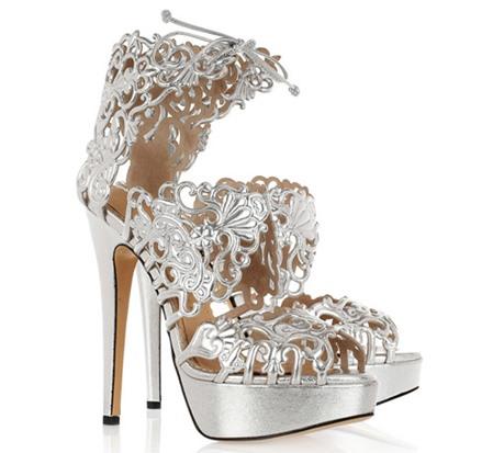 Lựa chọn giày theo màu sắc