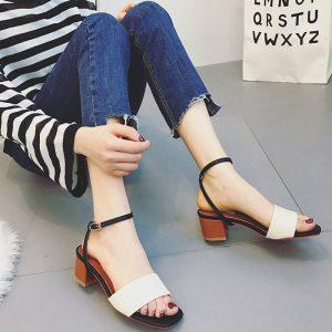 Giày gót thấp giúp bạn luôn cảm thấy thoải mái
